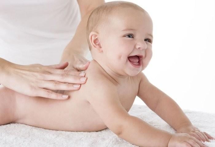 Corso massaggio infantile per neonati a Milano