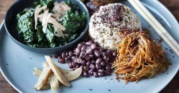 Alimentazione macrobiotica per mantenersi sani a tavola, senza rinunciare al gusto