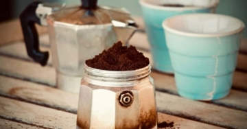 Come svegliarsi bene e pieni di energia: ecco perché l'esercizio fisico è meglio del caffè per dare la sveglia + 12 curiosità sul caffè