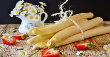 Questa è la dieta asparagi, menta e ananas