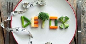 Questi 7 segreti detox sono ideali per dimagrire senza dieta velocemente e mangiando con gusto