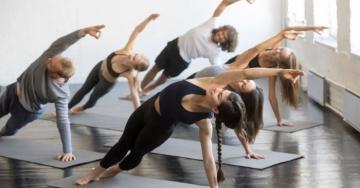 Sapevi che lo yoga fa bene anche al sesso? 10 motivi per iniziare a praticarlo