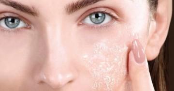 VIDEO: cancella i punti neri e rigenera la pelle con un peeling naturale del viso