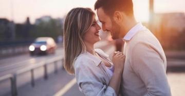 Vuoi far impazzire di piacere un uomo? Segui questi 7 consigli hot