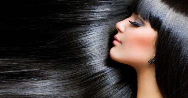 Come avere capelli lucenti? Questi 5 cibi comuni sono l'elisir segreto per capelli forti anti caduta
