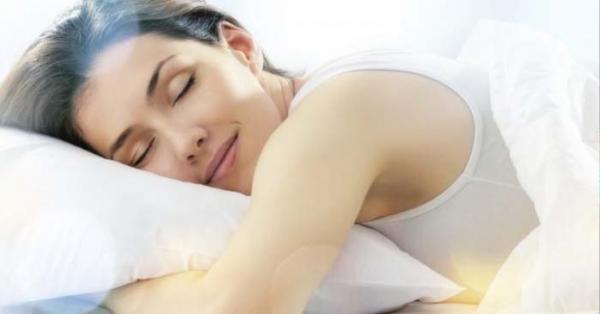 Come dormire meglio? Cos'è la melatonina e come assumerne di più, anche dal cibo