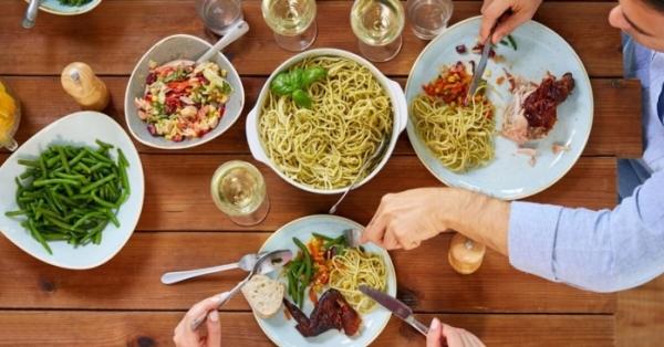 La dieta mediterranea è la scelta ideale se vuoi dimagrire mangiando con gusto e senza rinunce