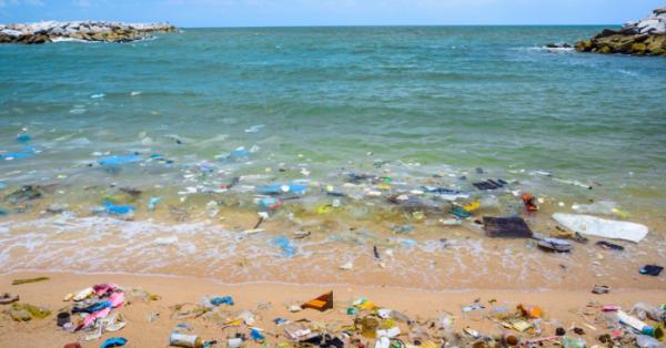 Mare ed inquinamento: secondo gli italiani è la peggiore minaccia