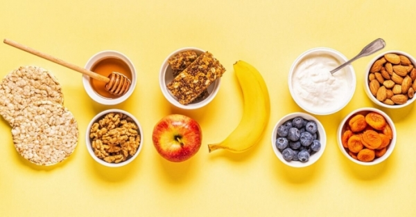 Questi 7 snack brucia grassi light e dimagranti sono ideali per dimagrire mangiando e dopo lo sport