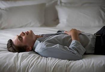 Mal di pancia: cause, sintomi, rimedi naturali