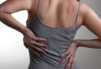 Mal di schiena: cause, sintomi, rimedi naturali