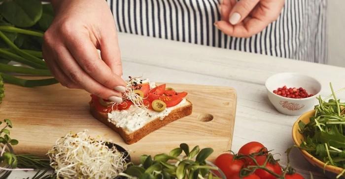 Questi sono i formaggi che i nutrizionisti concedono a chi ha il colesterolo alto