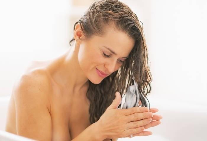 Sole, Mare, Piscina: proteggi i tuoi capelli!