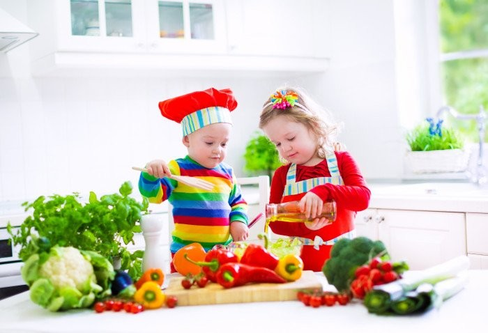 Svezzamento vegano: crescere bambini vegani sani